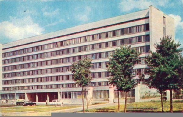 Чебоксары. Новое административное здание, 1973 год