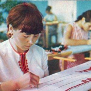 Чебоксары. В цехе Альгешевской фабрики художественной вышивки, 1973 год