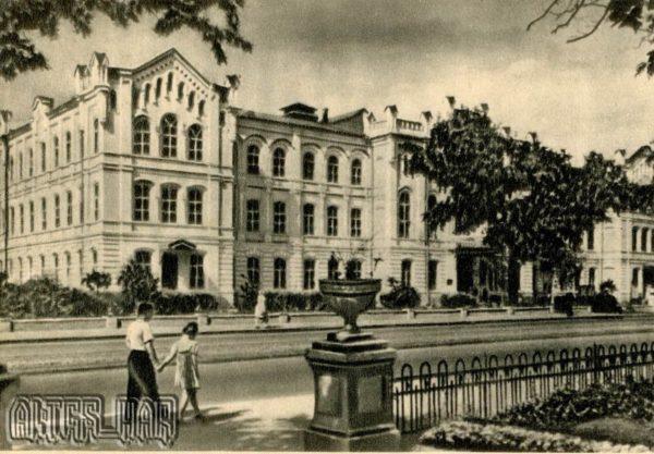 Институт механизации и электрофикации сельского хозяйства Харьков, 1955 год