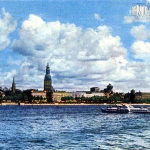 Вид на Комсомольскую набережную. Рига, 1968 год