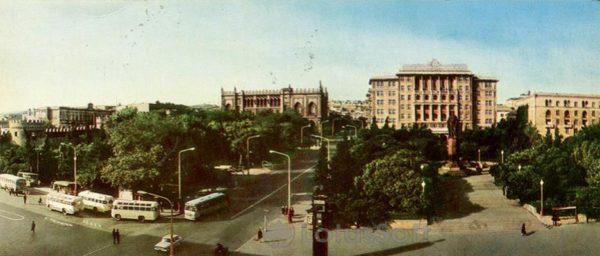 Баку. Памятник Низами (1970 год)