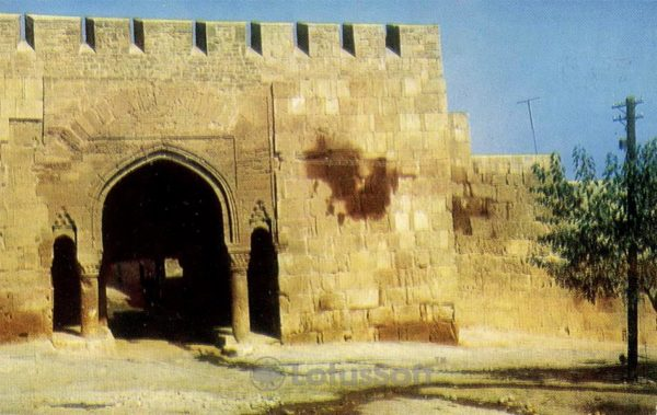 Derbent. Horta-caps - the southern gate of the city wall, 1971