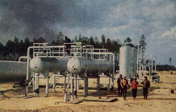 Идет замер добытой нефти, 1969 год