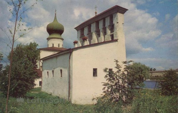 Звонница церкви Успения у Парома XV-XVI в. Псков, 1969 год