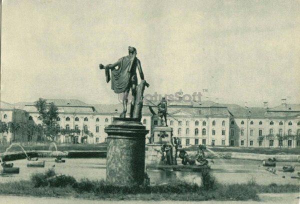Верхний сад. Петродворец, 1970 год