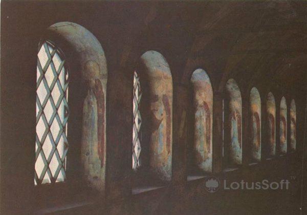 Фресковая роспись северной галереи церкви Воскресения в Кремле. Ростов Великий, 1984 год