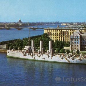 "Petrogradskaya embankment Big Neva. The cruiser ""Aurora"", 1977"