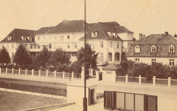Лечебный корпус в районе Марауенгоф. Клининград, Кёнигсберг), 1990 год