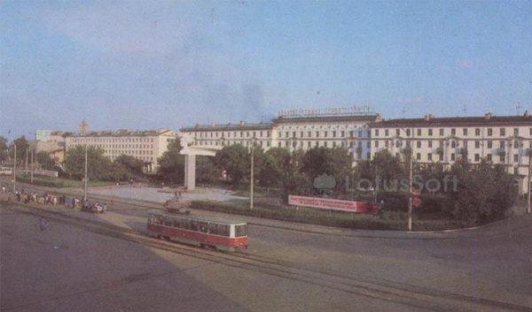 Привокзальная площадь. Иваново, 1986 год