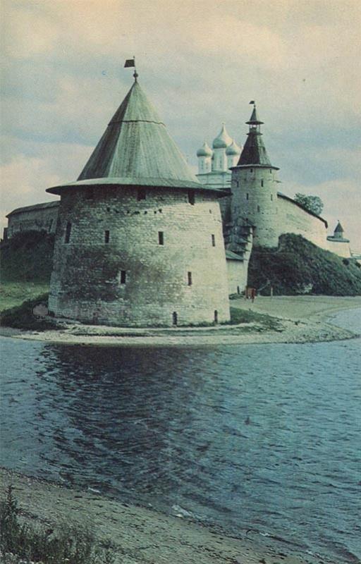 Башни кремля. Псков, 1973 год