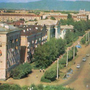 Street Krasnogvardeyskaya. Komsomolsk-on-Amur, 1975