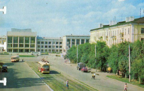 Дворец культуры завода имени Ленинского комсомола. Комсомольск-на-Амуре, 1975 год