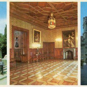 На лестнице у Южного дворца. Вестибюль дворца. Часовая башня. Алупкинский дворец-музей. Крым, 1983 год