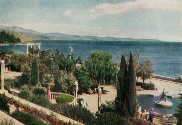 Набережная.  Алушта. Крым, 1961 год