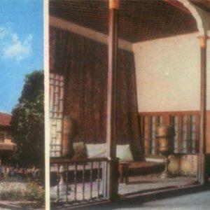 Bakhchisaray. Historical and Museum arhitektruny. mosque Han-Jami, Ambassadorial Hall, 1984