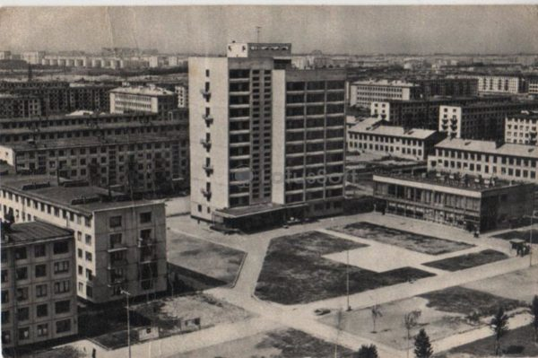 Leningrad, Novoizmailovsky Avenue, 1968