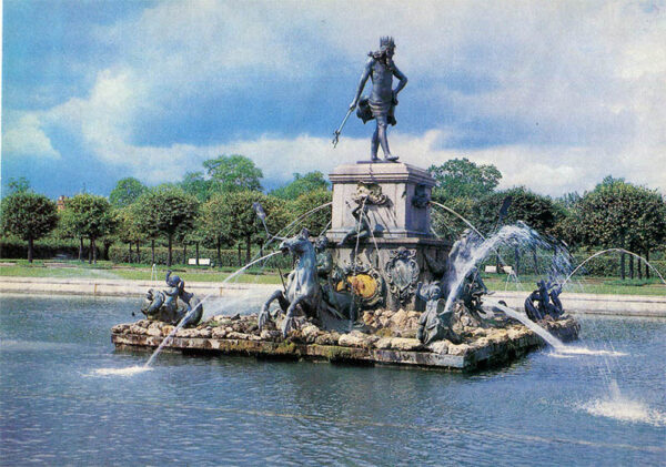 "Фонтан ""Нептун"", Петродворец, 1980 год"