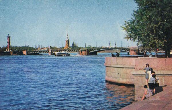 Вид на Неву ,Ленинград, 1970 год
